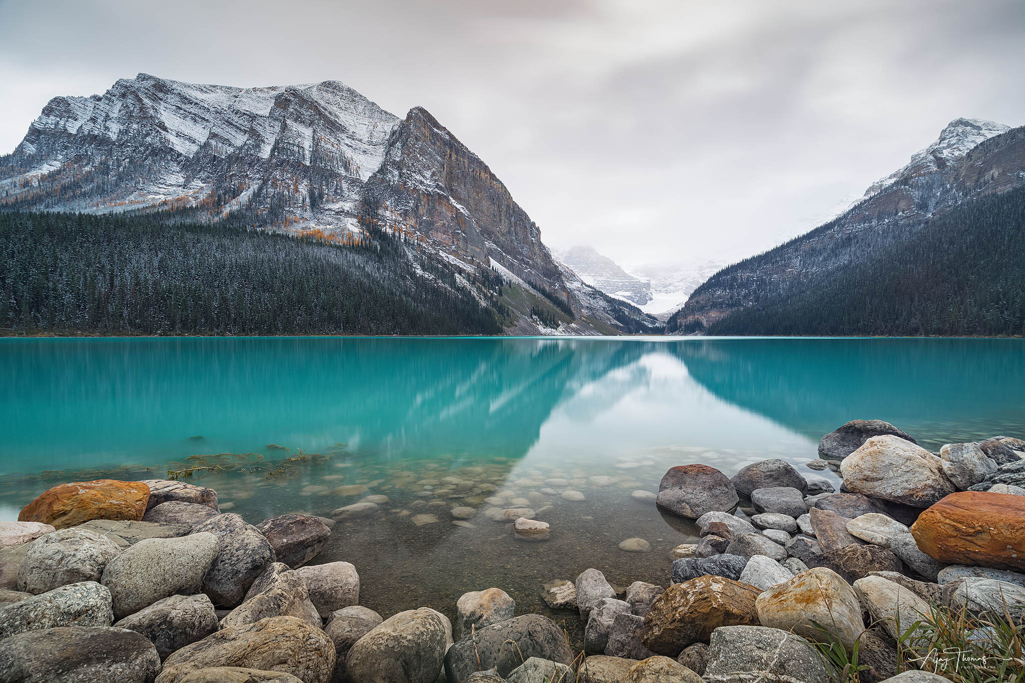 Breathtakingly beautiful glacier fed lake and mountain ranges that could rejuvenate  your soul. Lake Louise is the highest permanent...