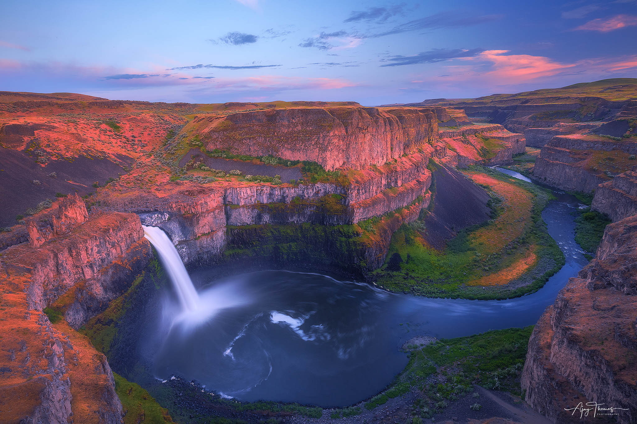Nature has a habit of enticing you and I was always tempted to visit Palouse River Canyon. Glad that I finally made it to the...